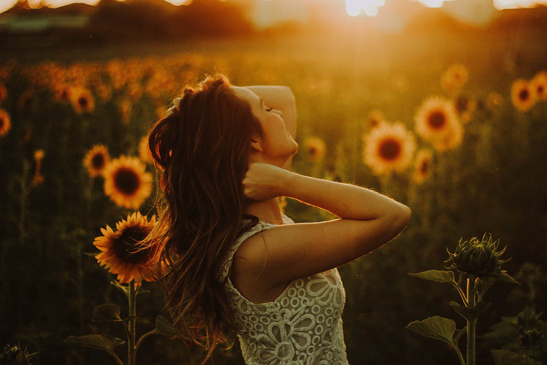 girl sunflower field.jpg