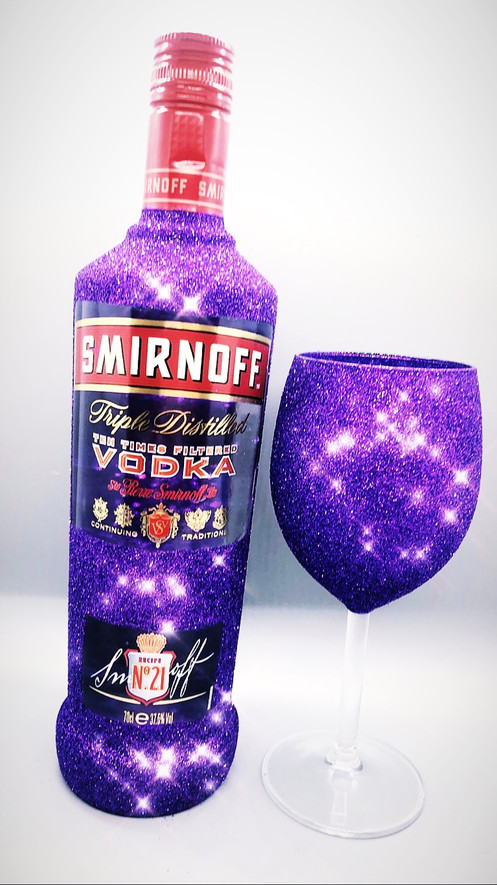 Our Smirnoff vodka gift set includes one glittered bottle of Smirnoff vodka, one glitter glass (or two shot glasses) and FREE gift wrap.