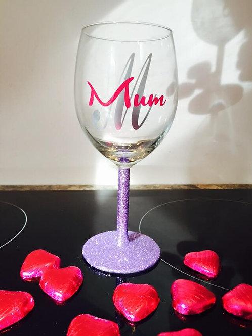 """""""Mum"""" Wine Glass"""