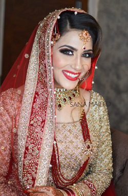 pakistani-traditional-modern-bridal-lon