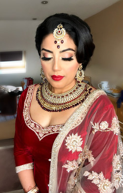 Vintage style bridal hair