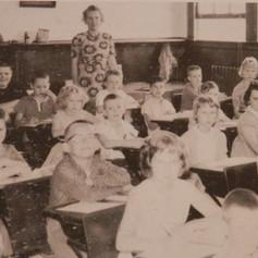 Mrs. Lucille Davis' 4th grade class