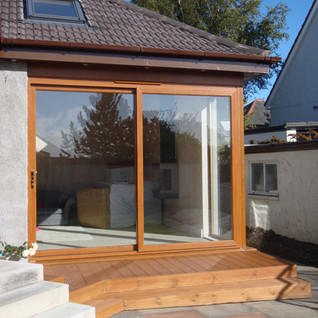 Easy access to large format doors