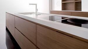 0504100002-01-Kitchen-Countertop-Corian.