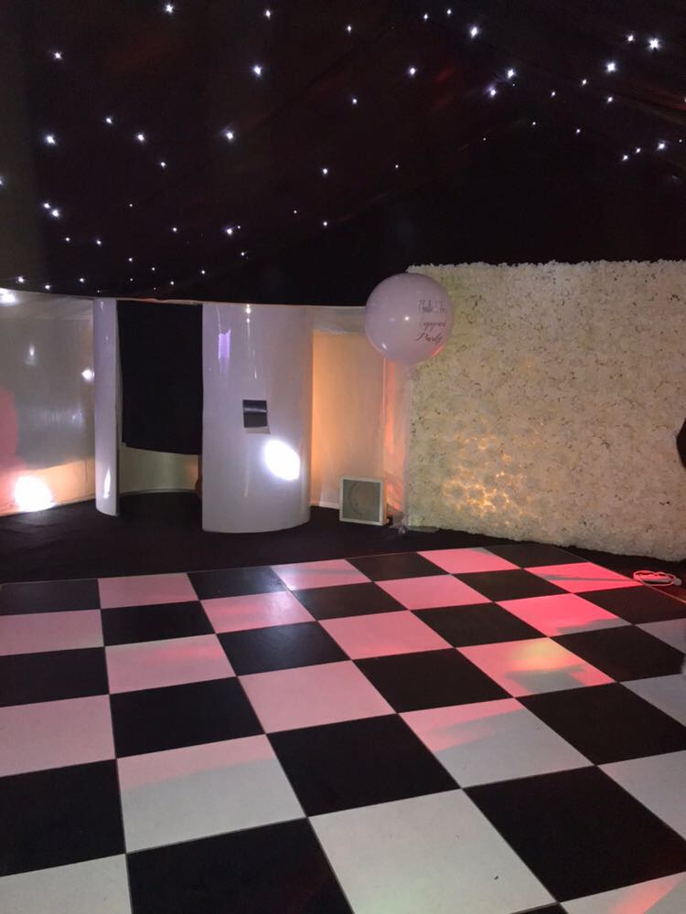 photobooth hire flowerwall