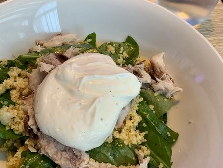 Couscous salade met gerookte makreel
