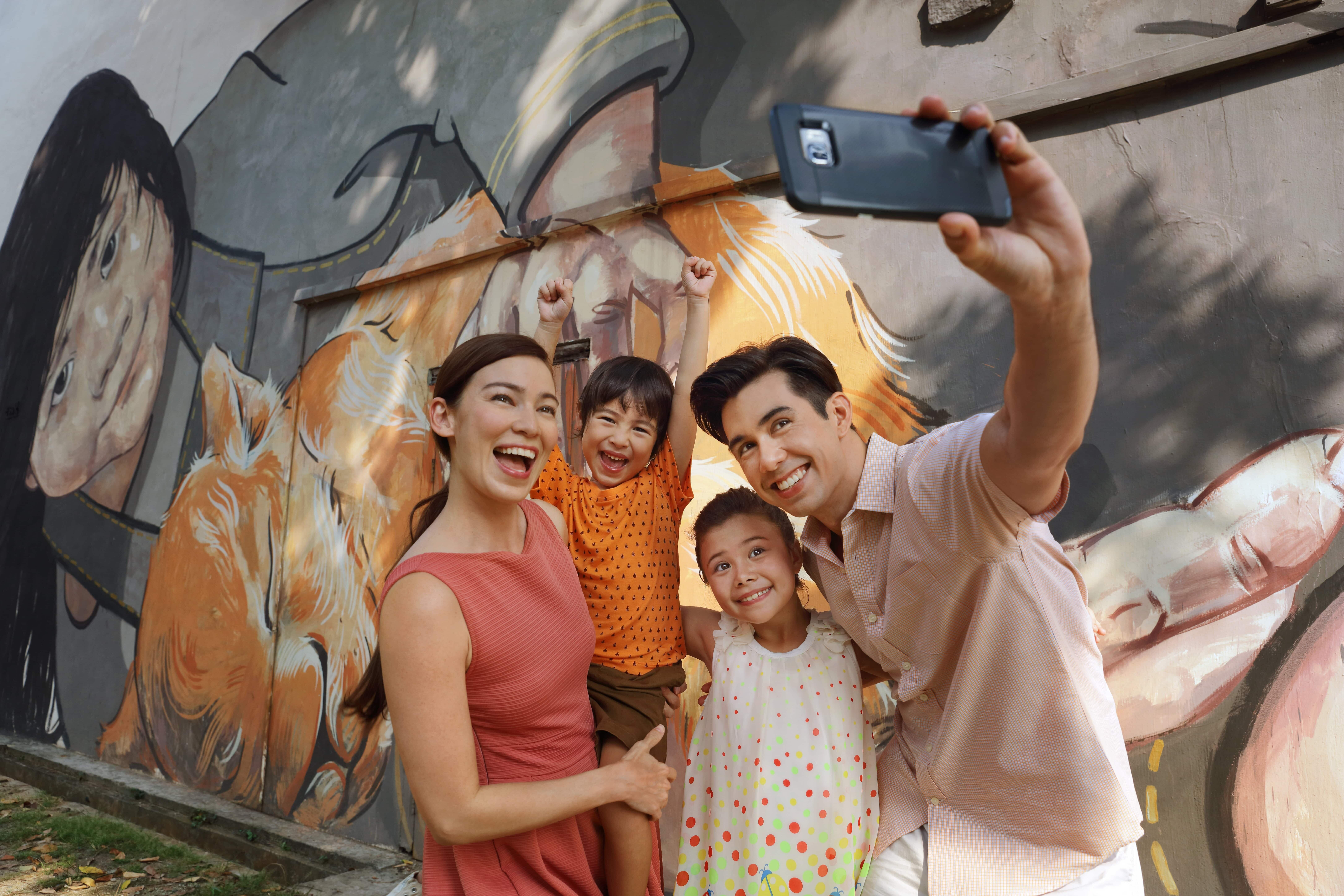 Family tour activity during school holiday