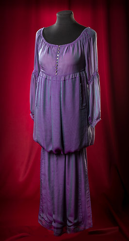 Платье из муарового шифона с декором Swarovski. DressTheatre Couture