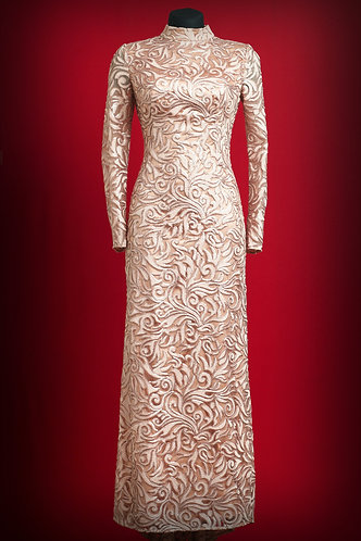 Length dress with lace with sequins.  DressTheatre Couture