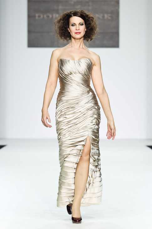 Evening dress - is it comfortable? ... Can an evening dress be as comfortable as a tracksuit?