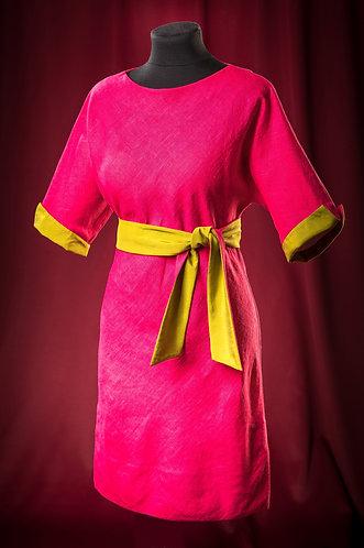 Платье фуксия из льна с контрастной отделкой. DressTheatre Couture by Dora Blank