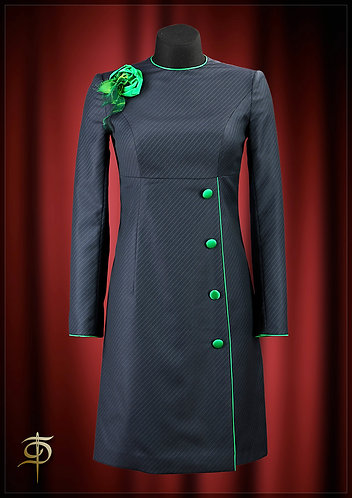 Dress made of Holland & Sherry wool on a lining made of satin silk. DressTheatre
