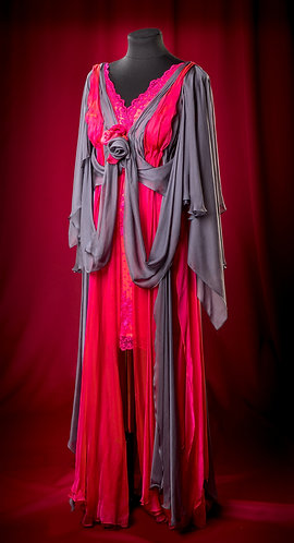 Платье из кружева с накидкой из шифона и с кружевным болеро. DressTheatre