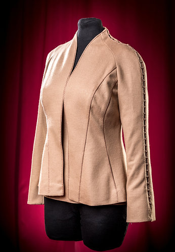 Jacket and shirt of cashmere Carnet with pearls. DressTheatre Couture