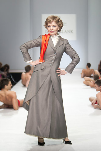 Suit of coat, skirt and vest made of wool with silk.