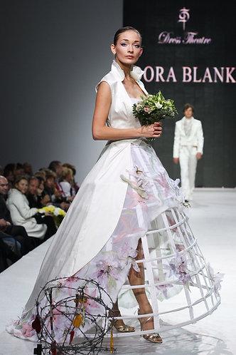Wedding Costume: coat and skirt on the crinoline, the historic cut