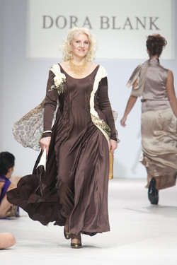 DressTheatre Couture by Dora Blank. Only D - 215