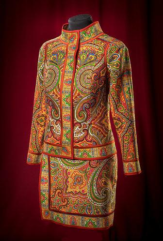 Костюм красный из шерсти: жакет и юбка с отделкой атласным шелком DressTheatre