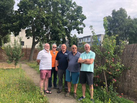 Intergenerational gardening project