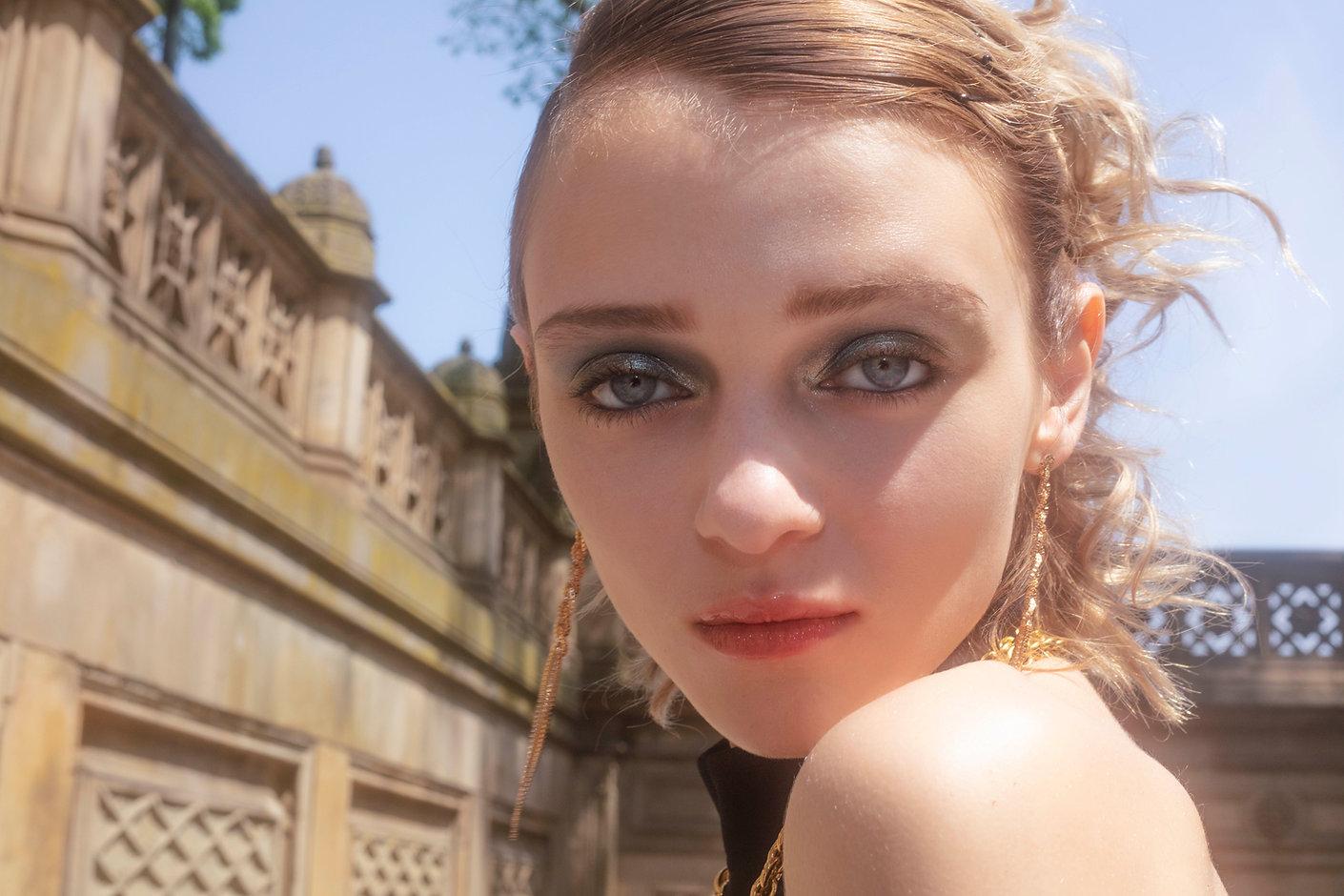 Olesya_MOOD_magazine_18.jpg