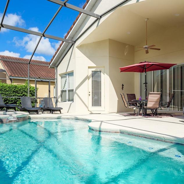 Pool and Lanai.jpg