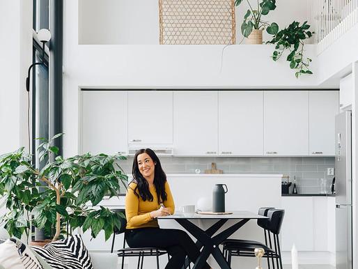 Modernissa loftissa yhdistyy skandinaavisuus ja itämaiset kuosit