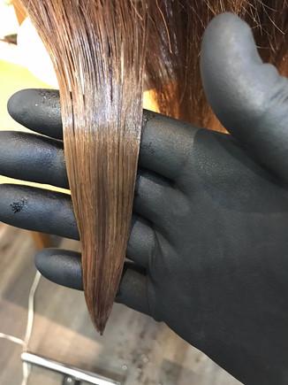 ビビリ毛(縮毛矯正による失敗)の修正②
