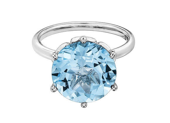 Solitaire Sky Blue Topaz Ring