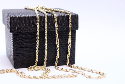 Yellow gold chains, gold buying