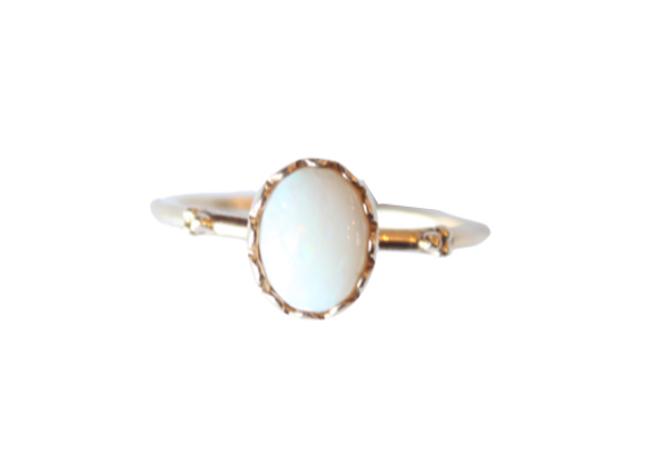 Yellow Gold Oval Opal Ring