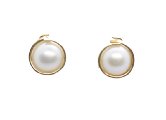 Yellow Gold & Pearl Studs