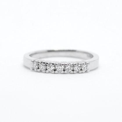 Seven Stone Round Cut Diamond Band (0.25 carat)