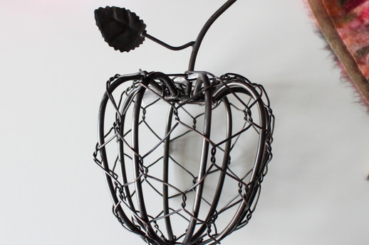 Wire Apple Decor