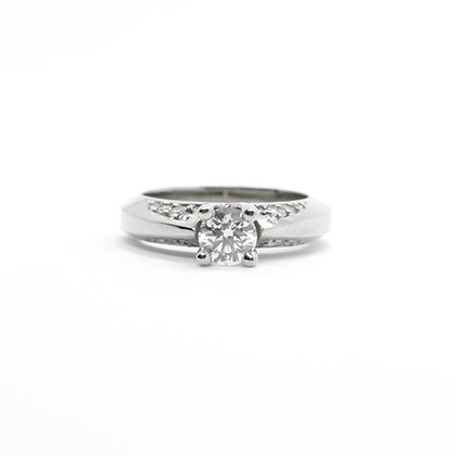 Round Solitaire Diamond Engagement Ring With Diamonds on Shoulder