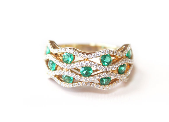 Round Emerald Diamond Wavy Ring