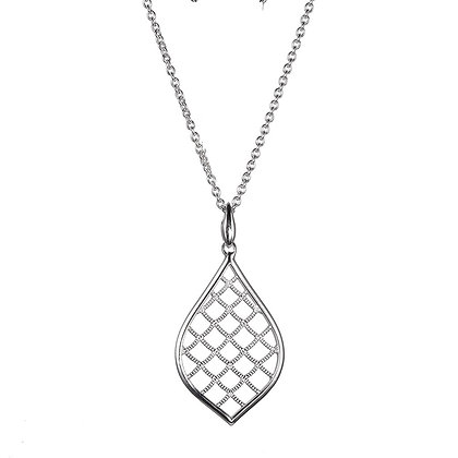 Silver Mermaid Textured Criss Cross Necklace