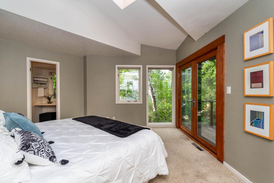 1735 Hawthorn Pl Boulder CO-print-020-030-Master Bedroom-3000x2002-300dpi.jpg