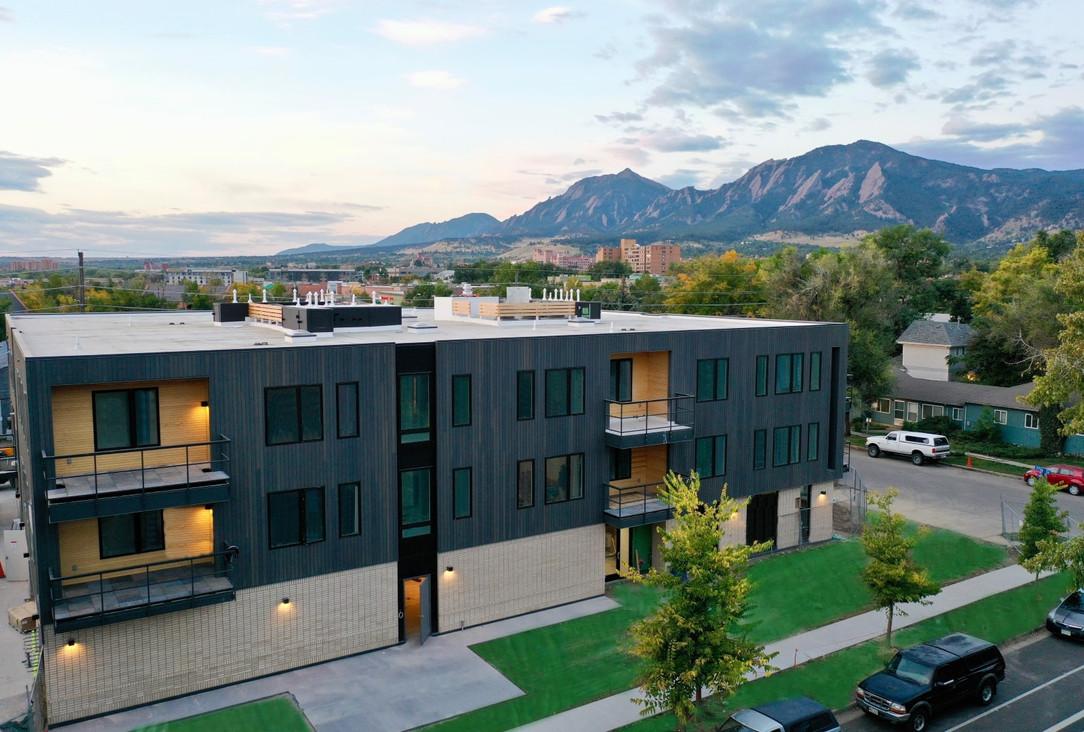 2718 Pine St Boulder, CO 80302.mp4