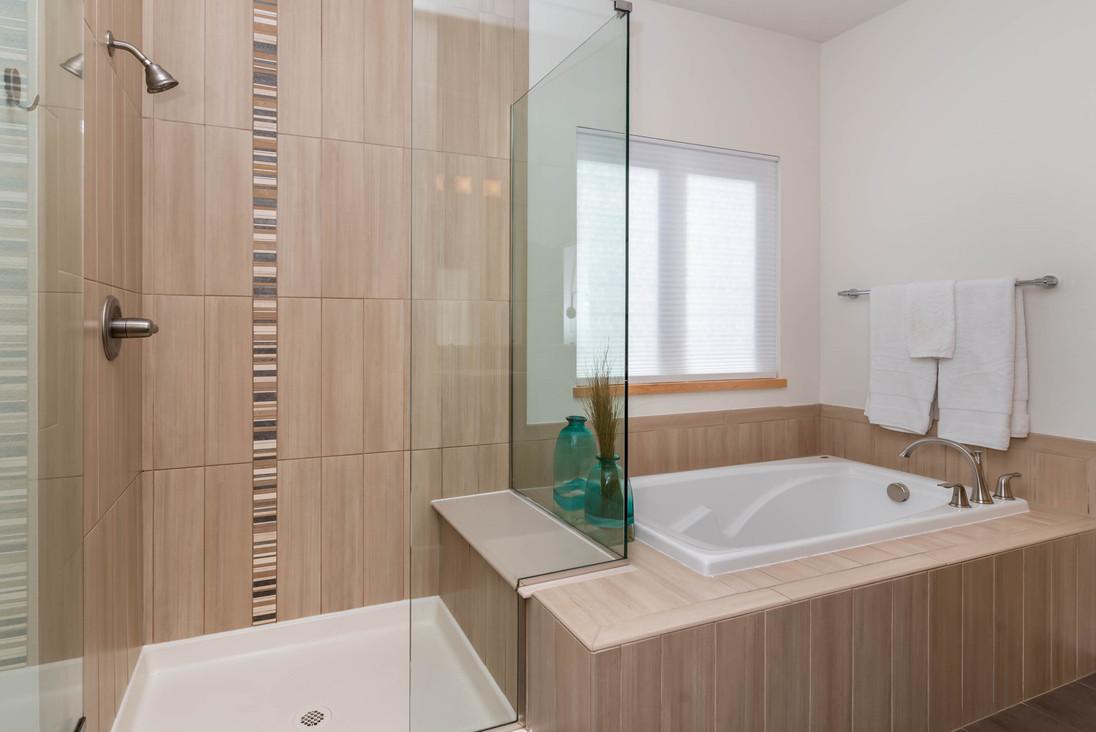 4525 Sunnyside Pl Boulder CO-print-023-023-Primary Bathroom-3000x2002-300dpi.jpg