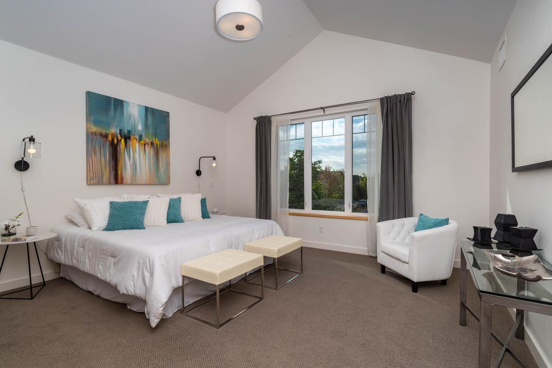 4525 Sunnyside Pl Boulder CO-print-020-031-Primary Bedroom-3000x2002-300dpi.jpg