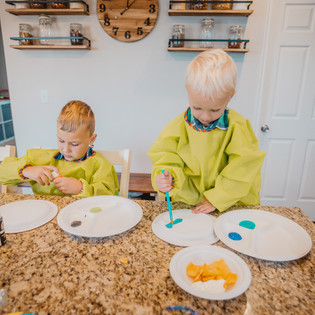 6 fun uses for Chinet Classic plates to spend time with Family and get into a Fall Routine