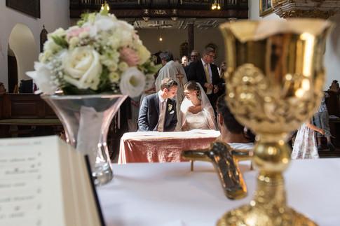 Braut und Bräutigam in der Kirche