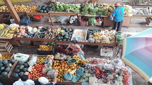 """Mercado Municipal é """"shopping"""" no interior de Minas Gerais"""