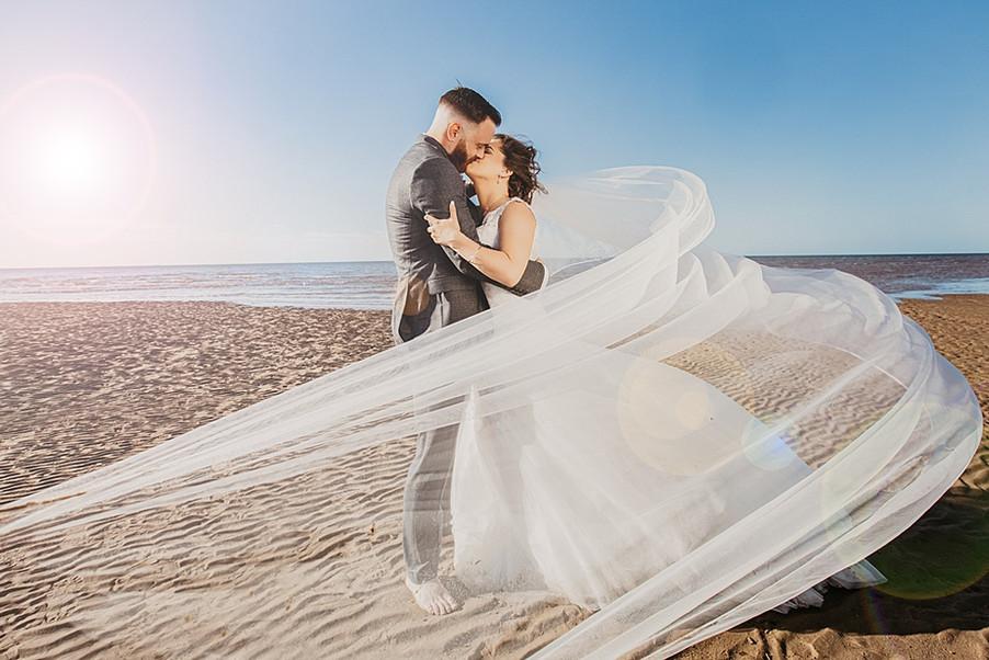 bride-and-groom-old-hunstanton.jpg