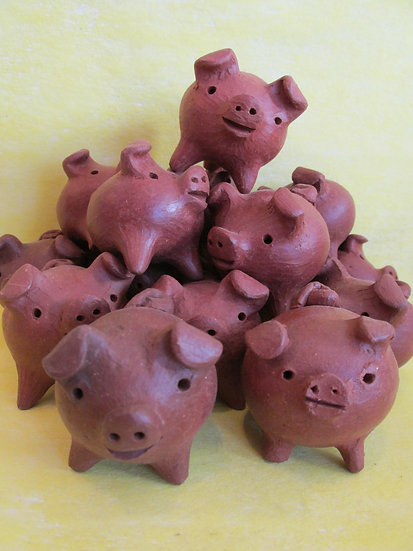 Good Luck Pigs/Chanchitos