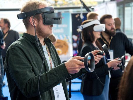 How Augmented Reality and Virtual Reality Are Transforming Recruitment Processes