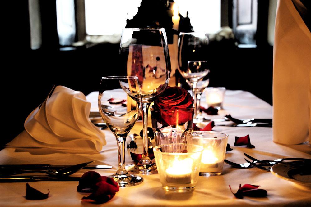 candle_light_dinner3_schlosshotel.jpg