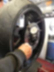 Dévoilage disques de frein moto