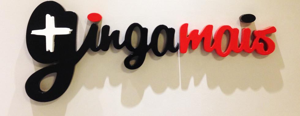 logotipo recortado em PS pintado com tinta automotiva