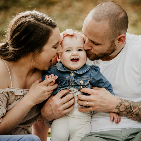 Jayne, Chris & Maggie- Emerald Family Session